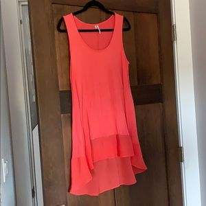 Coral high low  tank top